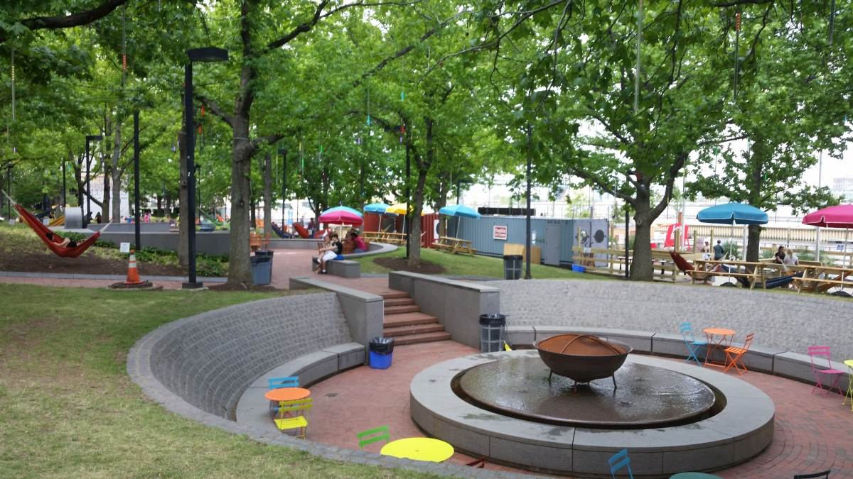 Spruce Street Harbor Park | The Constitutional Walking ...