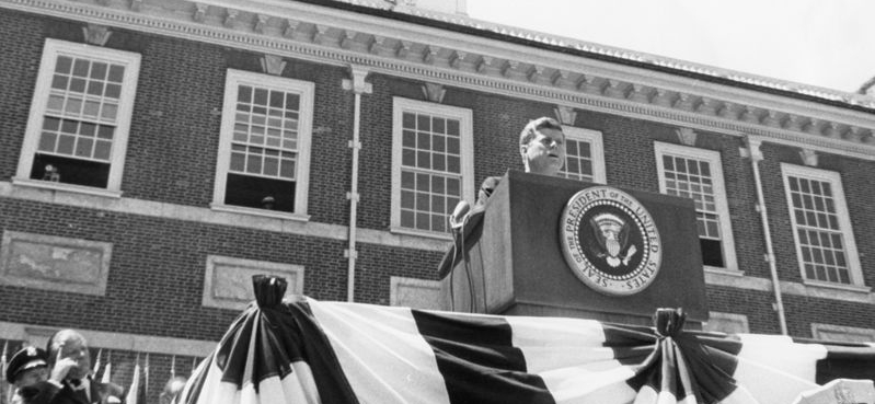 n his speech, President Kennedy praised the American democratic system which encourages differences and allows for dissent, discussed the enduring relevance of the Constitution of the United States and The Declaration of Independence, and addressed the role of the United States of America in relation to the emerging European Community.